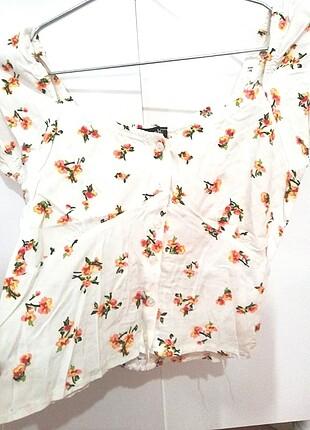 Bershka Çiçekli bluz