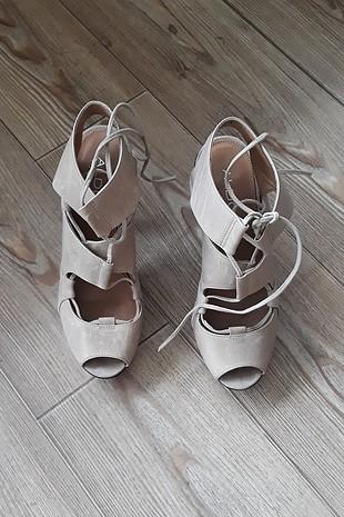 bağcıklı platform topuklu ayakkabı