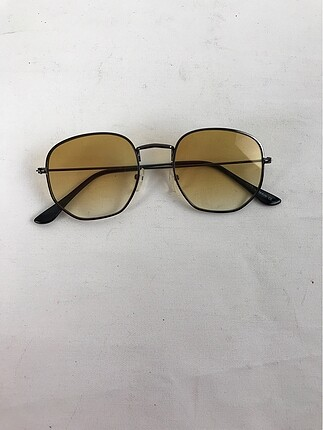 Sarı Güneş Gözlüğü