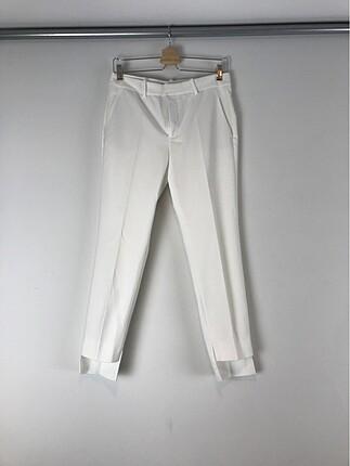 Beyaz kumaş pantolon