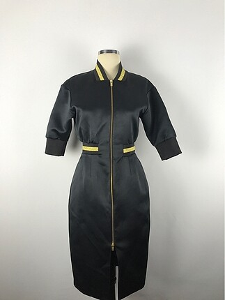 Sırt detay elbise