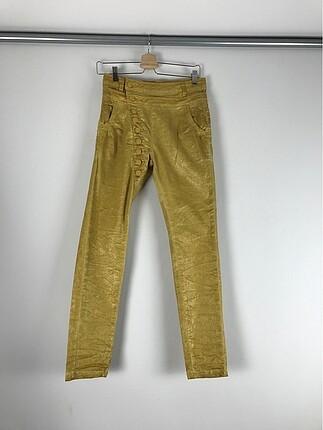 Sarı Düğme Detaylı Pantolon
