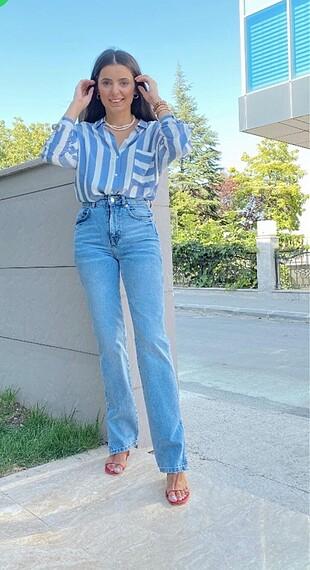 Zara model jean