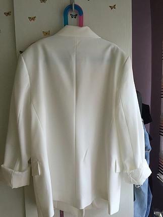 m Beden #bershka #ceket #beyaz #blazer 0 etiketli ürün