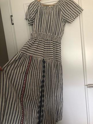 Roman Etnik Desenli Düşük Omuzlu Midi Elbise