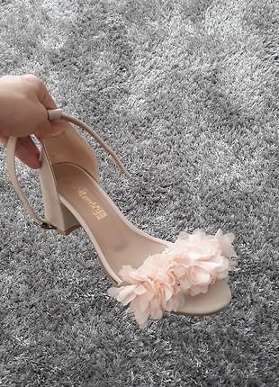 Somon ten rengi topuklu ayakkabı