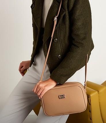 etiketi sıfır pierre cardin omuz çantası