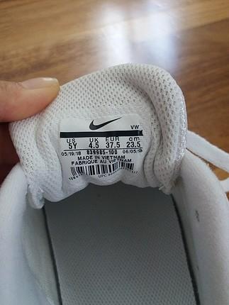 38 Beden beyaz Renk sifir nike ayakkabi