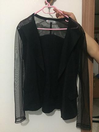 Siyah blazer kolları tül ceket