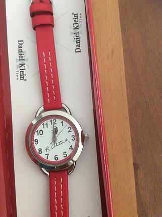 Kırmızı kol saati