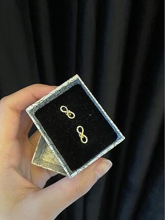585 ayar altın küpe