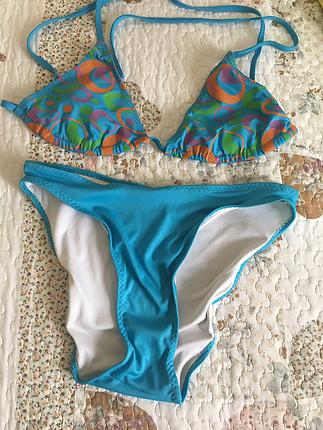 Desenli mavi bikini takım
