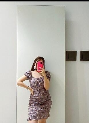 Çiçekli likralı yazlık kumaş elbise