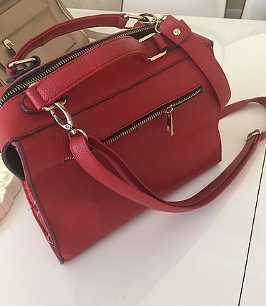 Kırmızı çok kullanışlı çanta