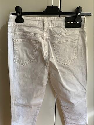 28 Beden beyaz Renk Guess jean pantolon