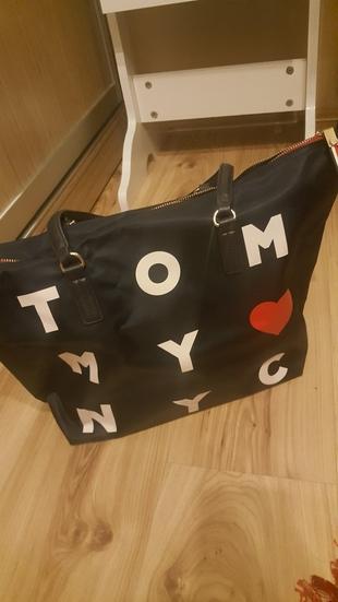 tommy hilfiger el çantası