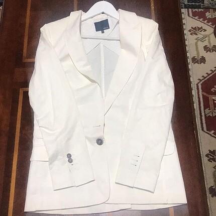 İpekyol beyaz blazer ceket