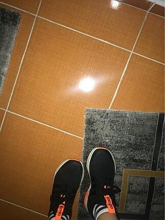 36 Beden Adidas koşu ayakkabı
