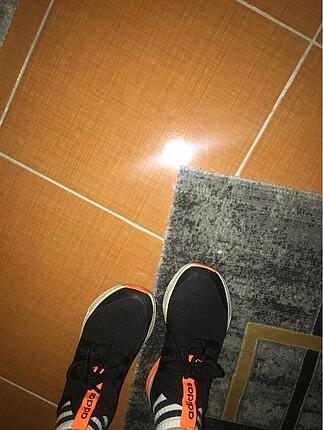 36 Beden siyah Renk Adidas koşu ayakkabı