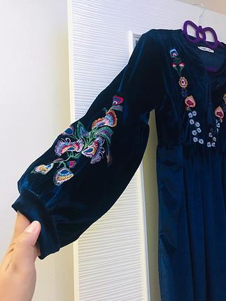 Kadife değişik bir elbise