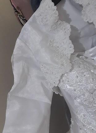 Organze kumaş üzerine nakışlı ön kismi boncuk nakis detaylı temi