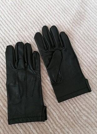 Siyah deri eldiven