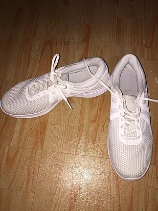 42 Beden beyaz Renk Nike Ayakkabı