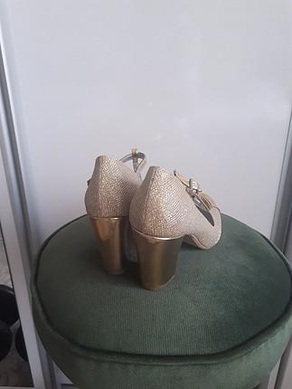 inci 35 altın sarisi topuklu ayakkabı