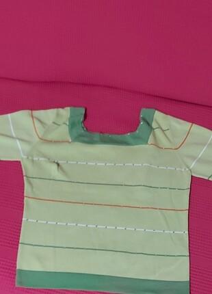 Açık yesil renkte Bluz
