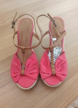 Etiketli Defacto Hasır Topuklu Sandalet (yeni trend)