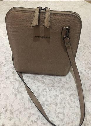 Çapraz askılı çanta