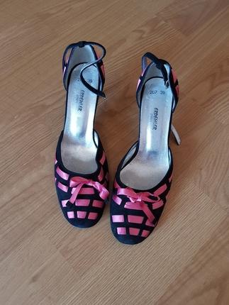 Topuklu şık ayakkabı