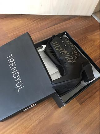 Trendyol milla marka 39/ 40 uyumlu sıfır ayarında kovboy çizme