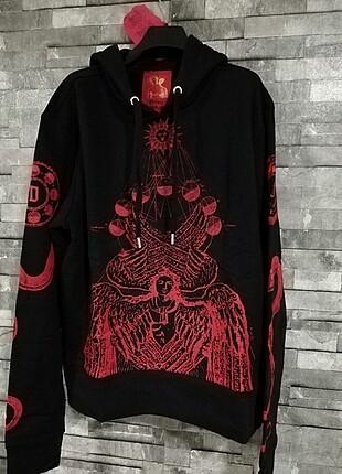 Dilara Fındıkoglu özel koleksiyon kapşonlu hoodie.