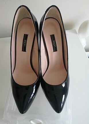 Siyah rugan stiletto