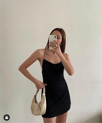Sırtı çapra elbise
