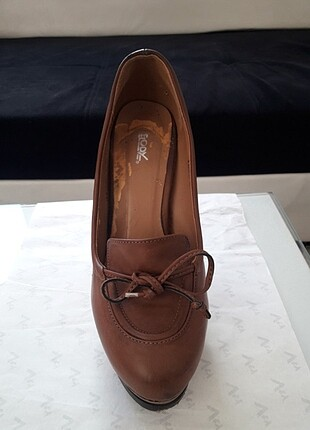 Klasik topuklu ayakkabı, 12cm topuk uzunlugunda, kahve rengi de